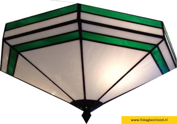Kleurstelling wit opaalglas met groen